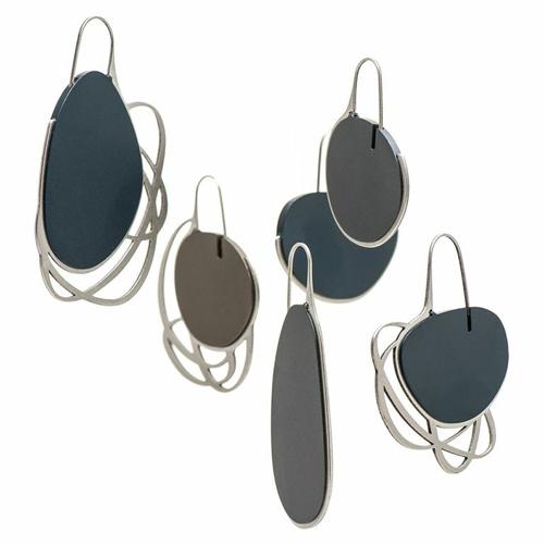 Iris Saar Isaacs Pebble Earrings, 2013 Anodized Aluminium, Stainless Steel Photography: Ben Hermans