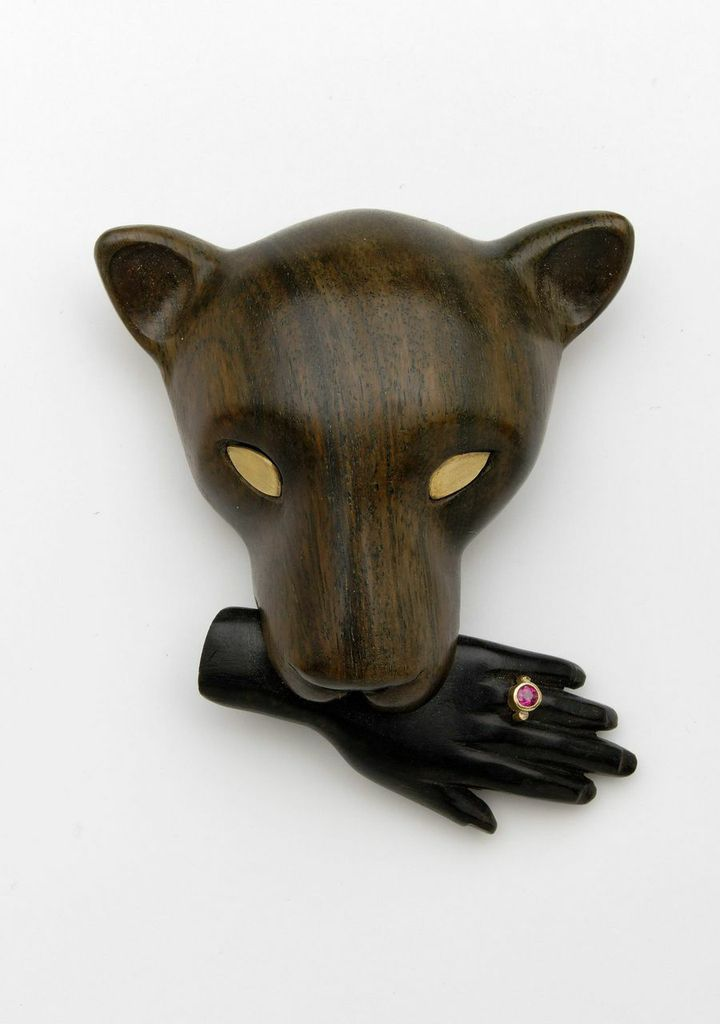 Jane Dodd, A Jungle Incident, 2014 Brooch: Lignum vitae, ebony, 18k gold, ruby, sterling silver